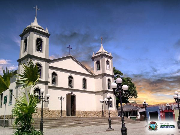 Igreja Matriz Nossa Senhora da Piedade. Pra�a Comendador Martins,Centro, Cabre�va